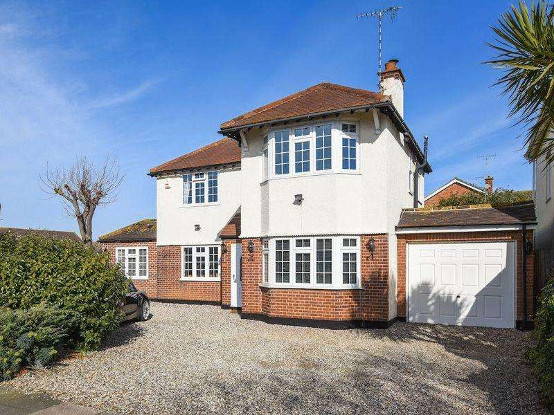 4 Bedrooms Detached House for sale in Church Road, Southend-On-Sea