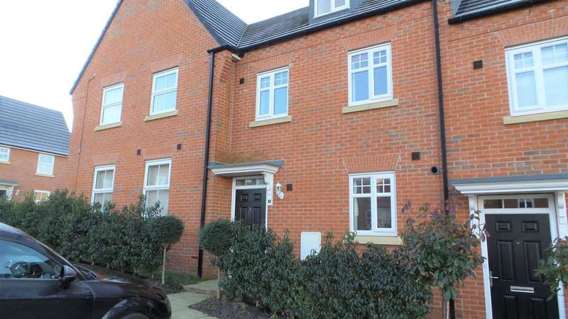 3 Bedrooms Mews House for rent in Royal Walk, Blackburn