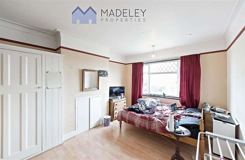4 Bedrooms Property for rent in Boston Road, London