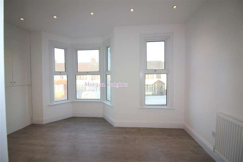 2 Bedrooms Apartment Flat for sale in Ley Street, Ilford, IG2