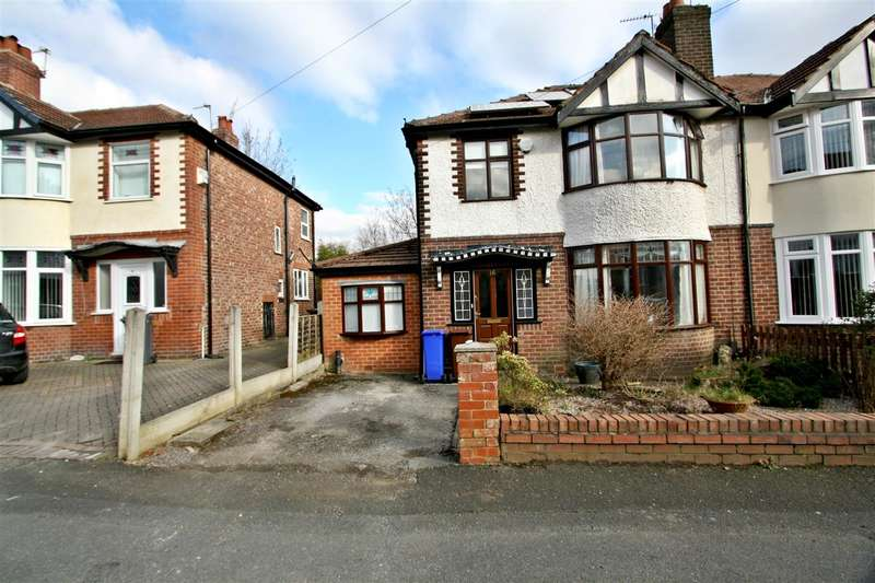 3 Bedrooms Semi Detached House for sale in Saxon Avenue, Manchester