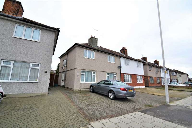 4 Bedrooms Semi Detached House for sale in Cranbrook Road, Gants HIll, Ilford