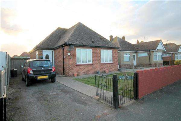 2 Bedrooms Bungalow for sale in Primrose Road, Holland on Sea