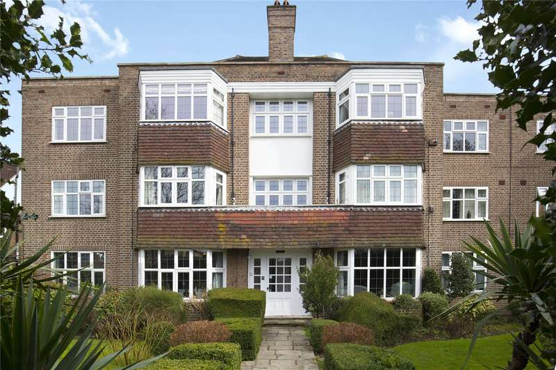 2 Bedrooms Flat for sale in Imber Close, Esher, Surrey, KT10