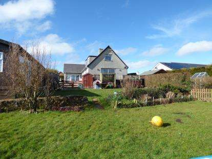 5 Bedrooms Detached House for sale in Carmel, Llannerch-Y-Medd, Anglesey, LL71