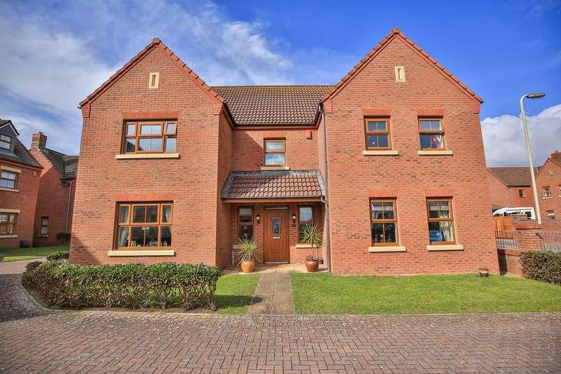 5 Bedrooms Detached House for sale in Sanderling Way, Rest Bay, Porthcawl