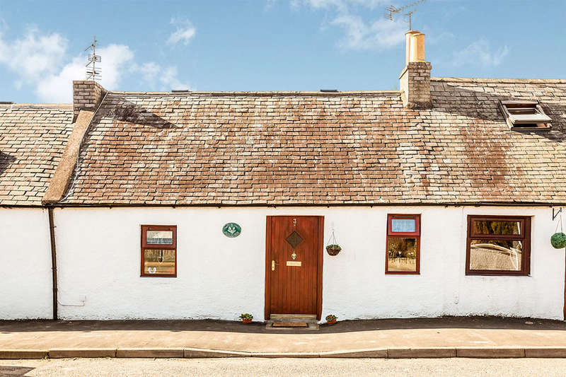 2 Bedrooms Bungalow for sale in Main Street, Luthermuir, Laurencekirk, AB30