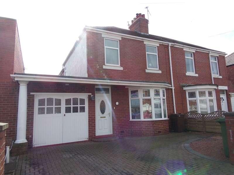 3 Bedrooms Property for sale in Moorland Avenue, Bedlington, Northumberland, NE22 7EU