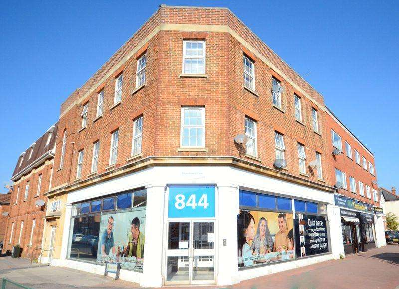 2 Bedrooms Flat for sale in 844 Wimborne Road, Bournemouth