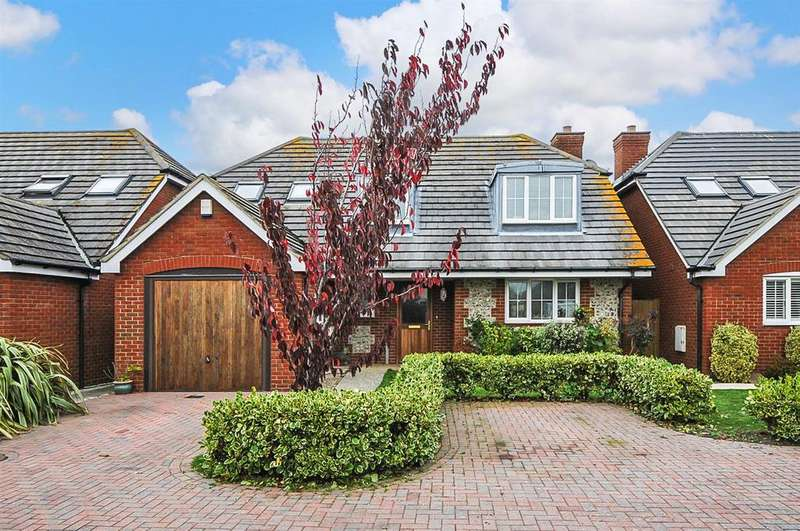 3 Bedrooms Detached House for sale in March Close, Rose Green, Bognor Regis