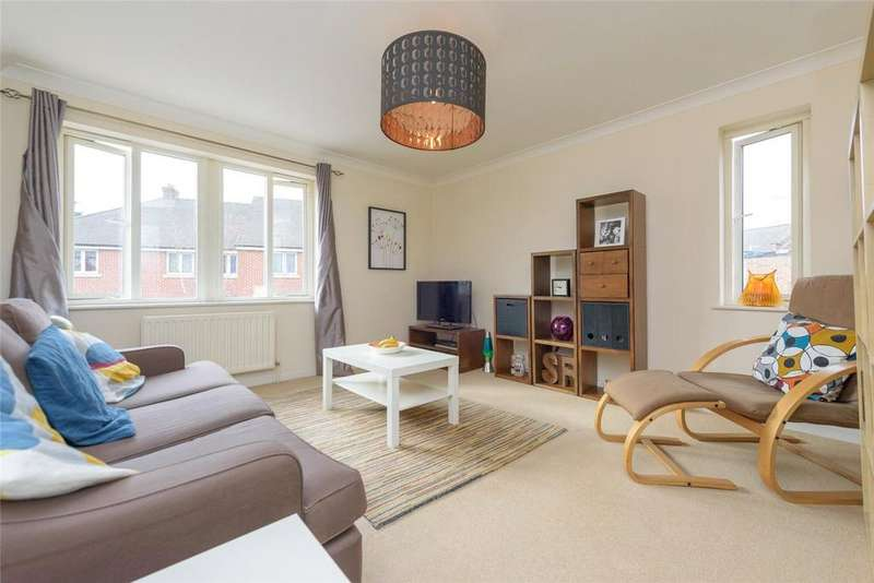2 Bedrooms Flat for sale in Balgove Court, Eden Grove, London, NW10