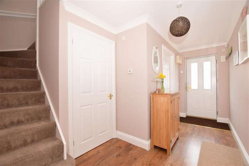 2 Bedrooms Terraced House for sale in The Street, Upper Halling, Rochester, Kent