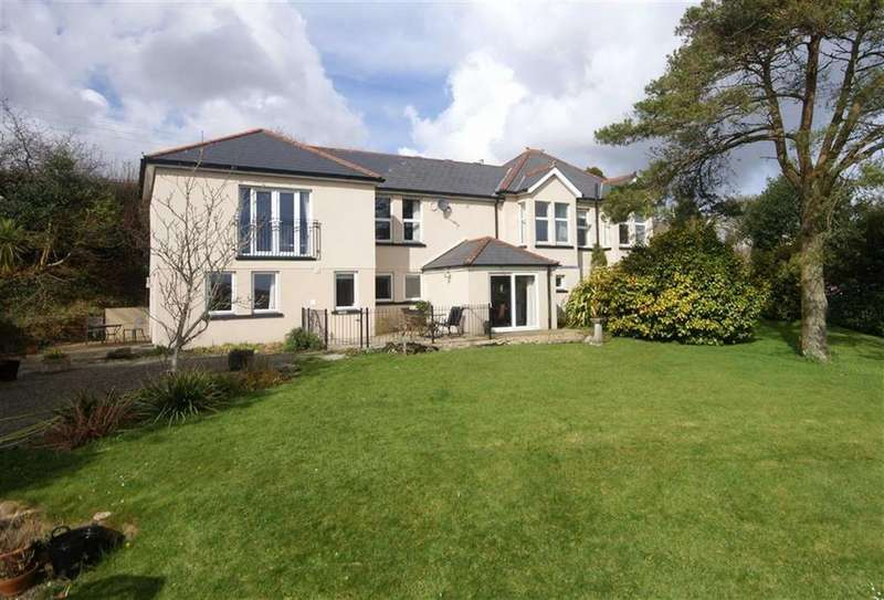 5 Bedrooms Detached House for sale in Trelowth, St Austell, Cornwall, PL26
