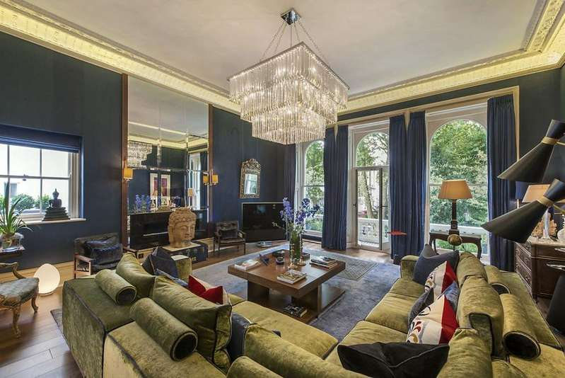 3 Bedrooms Maisonette Flat for sale in Cornwall Gardens, SW7