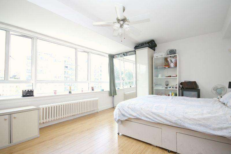 2 Bedrooms Apartment Flat for sale in Sheraton House, Pimlico