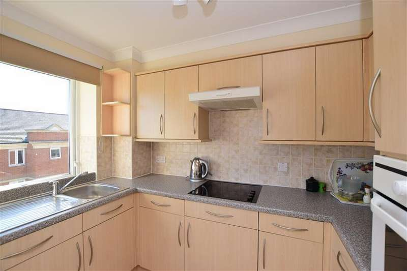 2 Bedrooms Flat for sale in Harold Road, Cliftonville, Margate, Kent