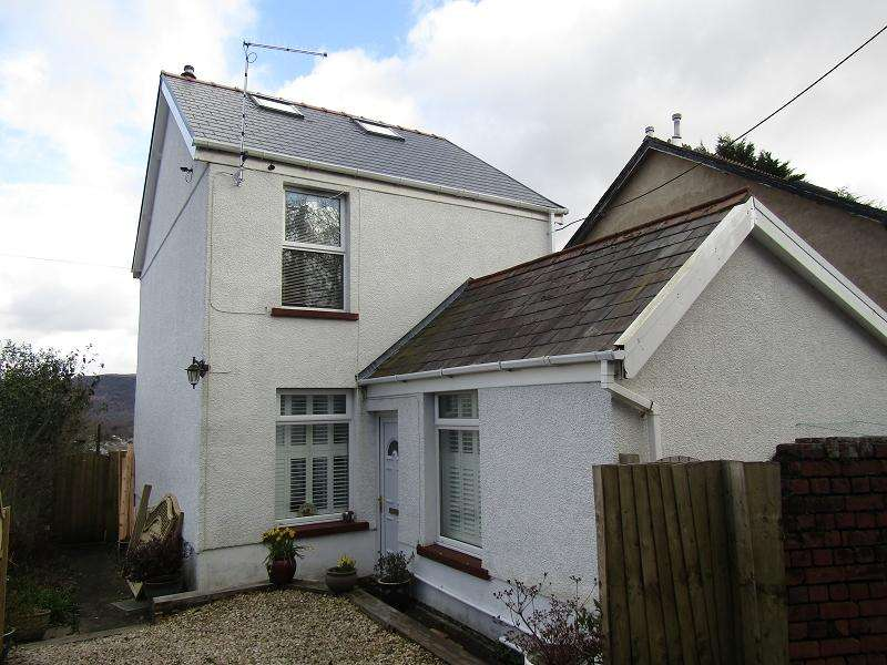3 Bedrooms Detached House for sale in Lon Eithrym , Clydach, Swansea, City And County of Swansea.