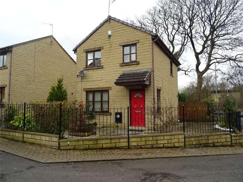 3 Bedrooms Detached House for sale in Burras Road, Bradford, West Yorkshire, BD4