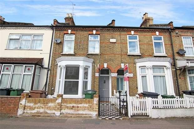 2 Bedrooms Flat for sale in Queens Road, Walthamstow, London