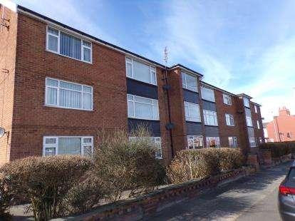2 Bedrooms Flat for sale in Elstree Court, 81 Bispham Road, Blackpool, Lancashire, FY2