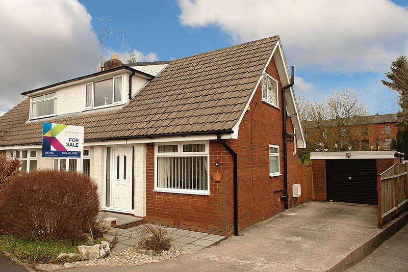 3 Bedrooms Semi Detached Bungalow for sale in Wetherby Drive, Oldham