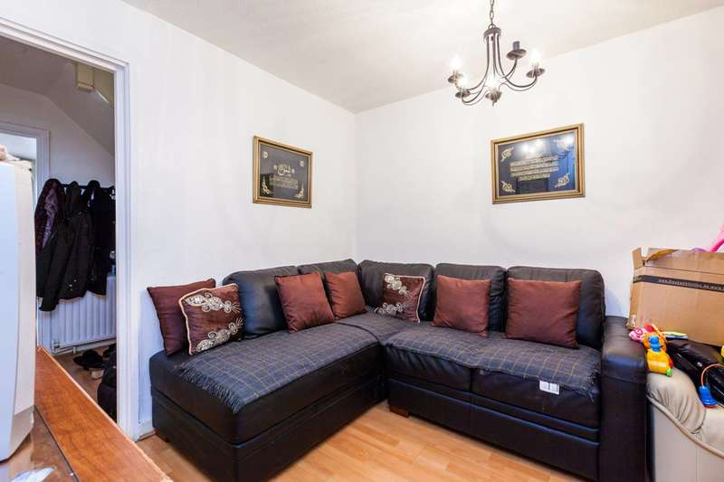 4 Bedrooms House for sale in Camberwell New Road, Oval, SE5