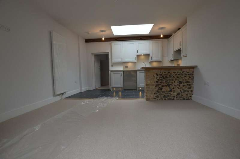 2 Bedrooms Terraced Bungalow for rent in The Street, Great Barton