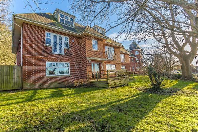 2 Bedrooms Apartment Flat for sale in Wesley Place, Epsom