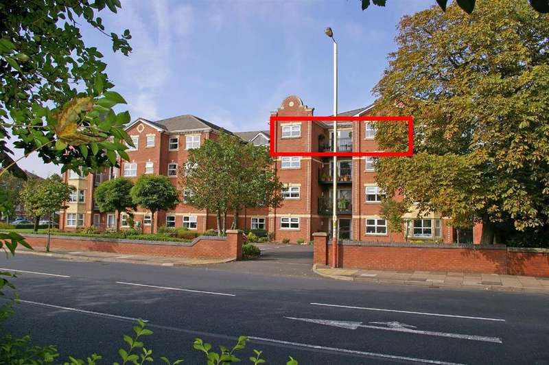 2 Bedrooms Retirement Property for sale in Regency Court, Park Road West, Southport