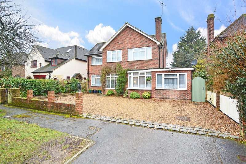 5 Bedrooms Detached House for sale in Mayford, Woking