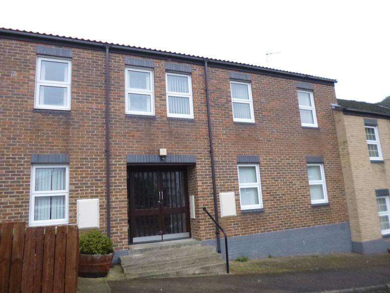 2 Bedrooms Flat for sale in Gainsborough Court, Bishop Auckland