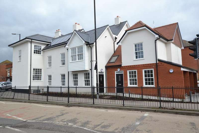 1 Bedroom Ground Flat for sale in Apartment 8, Sun Street, Billericay, Essex, CM12