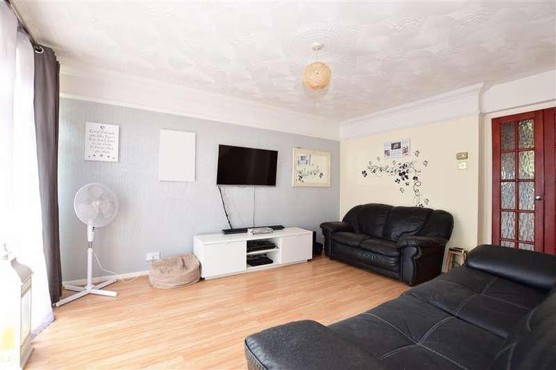 3 Bedrooms Terraced House for sale in Highview, Vigo, Kent