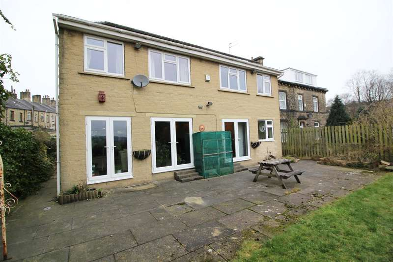 5 Bedrooms Detached House for sale in Beech View, Victoria Avenue, Sowerby Bridge