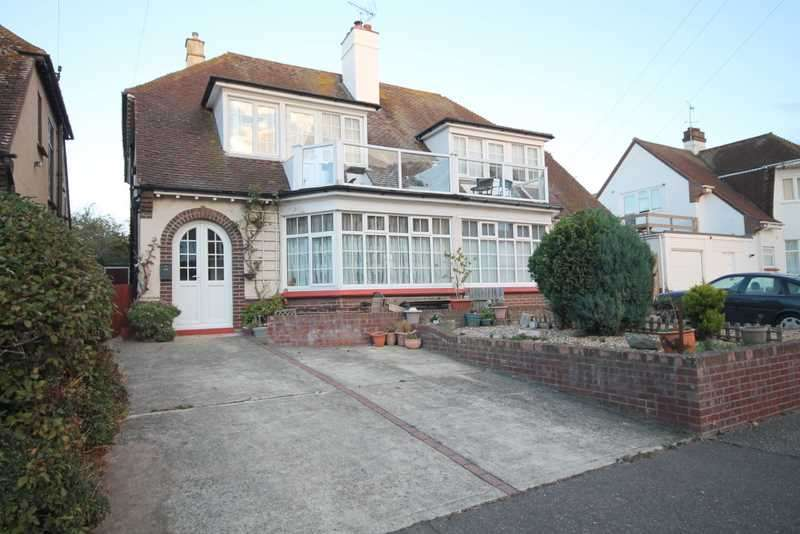 4 Bedrooms House for sale in Trafalgar Road, Clacton on Sea