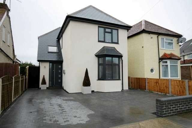 3 Bedrooms House for sale in Nottingham Road, Holland on Sea