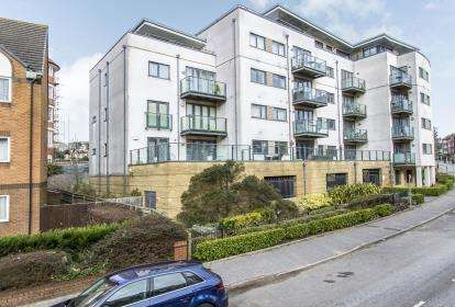 2 Bedrooms Flat for sale in 47 Sea Road, Bournemouth, Dorset