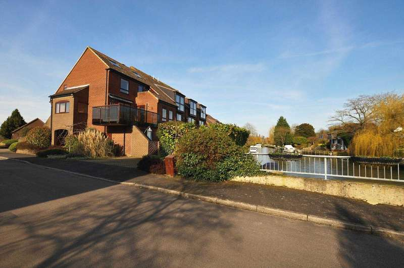 4 Bedrooms Duplex Flat for rent in Temple Mill Island, Marlow