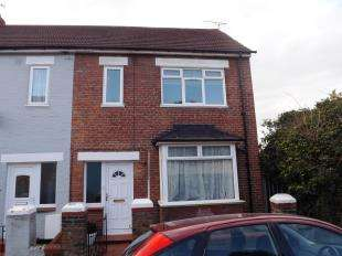 House for sale in St. Peter Street, Rochester, Kent