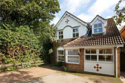 House for sale in Phipps Close, Aylesbury, Bucks, England
