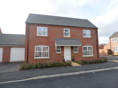 4 Bedrooms Detached House for sale in Carr Road, Moulton, Northampton, Northamptonshire