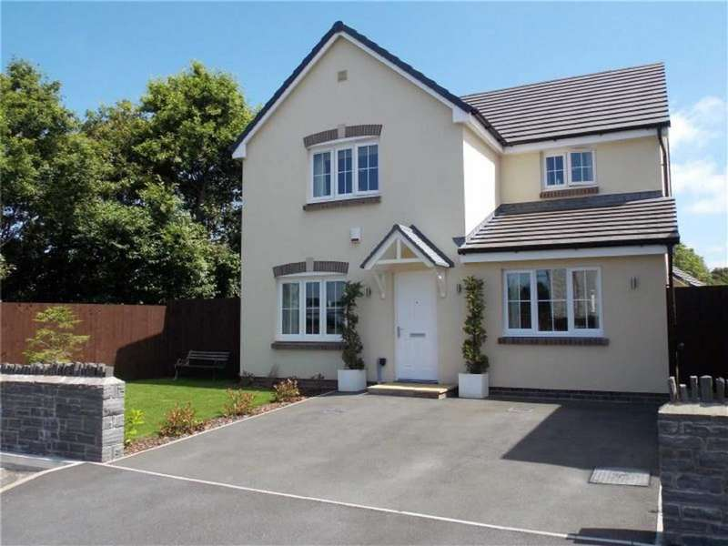 4 Bedrooms Detached House for sale in Castleton Grove, Haverfordwest
