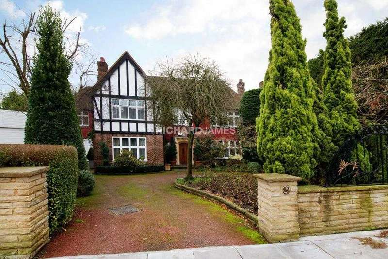 5 Bedrooms Detached House for sale in Manor Hall Drive, London