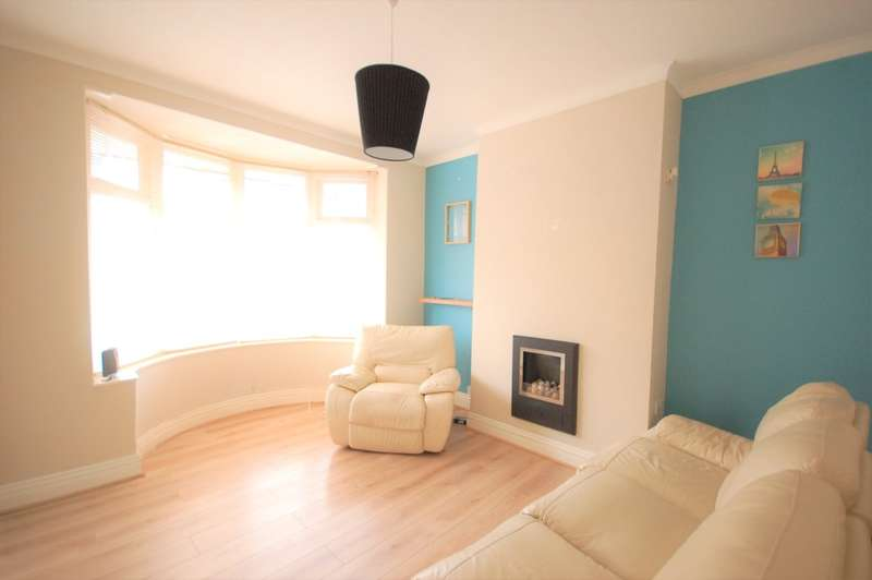 3 Bedrooms Terraced House for sale in Silverwood Avenue, Blackpool
