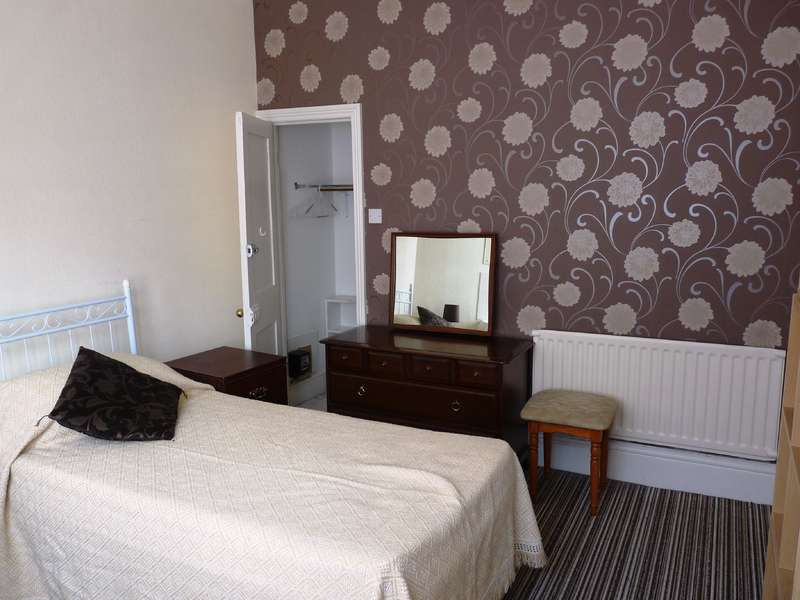 1 Bedroom House Share for rent in Bryanstone Road, Talbot Woods, Winton
