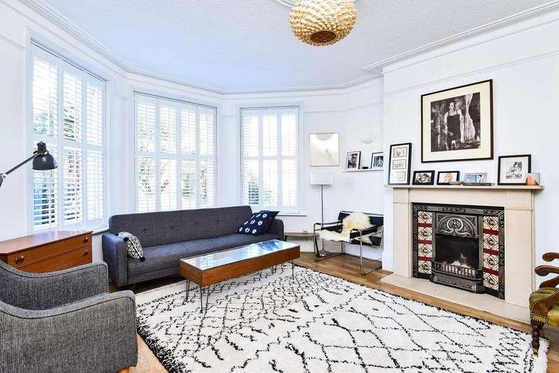 3 Bedrooms Maisonette Flat for sale in Marlborough Road, Bowes Park