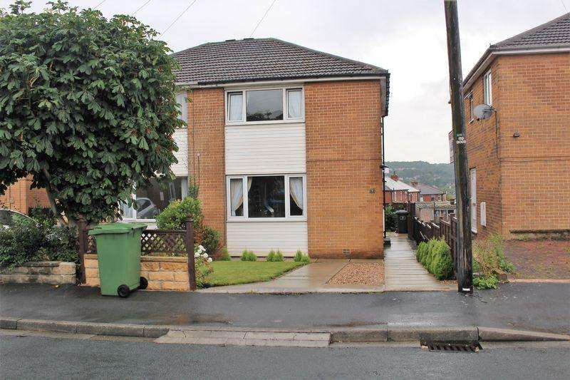 3 Bedrooms Semi Detached House for sale in Patterdale Drive, Huddersfield