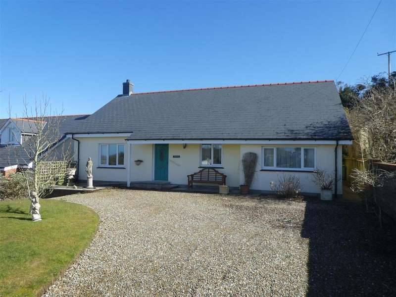3 Bedrooms Detached Bungalow for sale in Plwmp, Llandysul