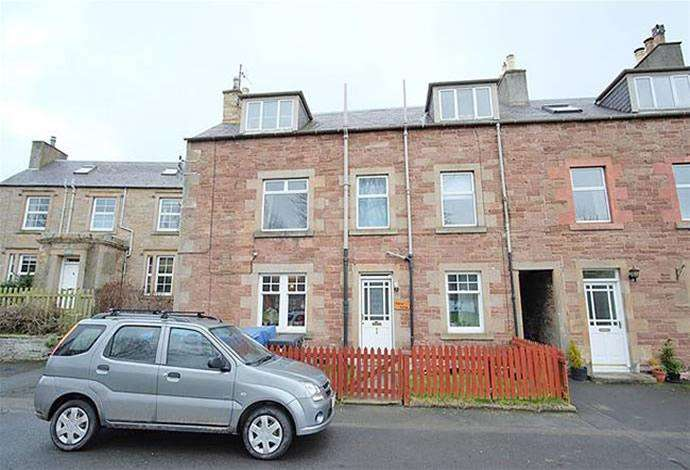 3 Bedrooms Flat for sale in 1 Cherry Cottage, Denholm, TD9 8NA