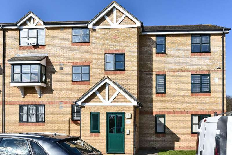 2 Bedrooms Flat for sale in Slough, Berkshire, SL2